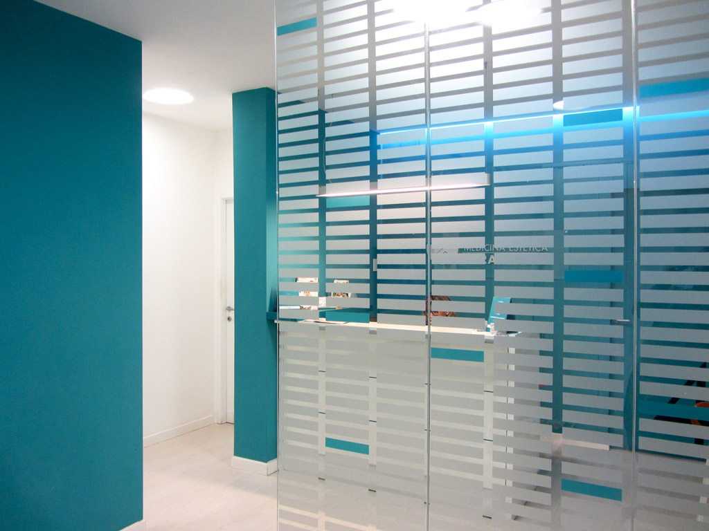 Pellicole satinate per vetri a roma adesivi vetrine - Pellicole adesive per vetri esterni ...